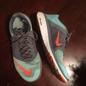 Nike Running Sneakers: Women's/9.5